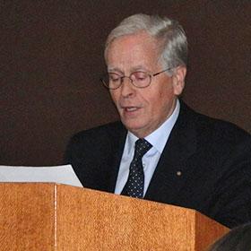 Oud-burgemeester joost hoffscholte las in aalsmeer het dictee