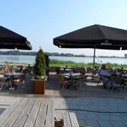 Het terras van de Happy Moose in Zoetermeer
